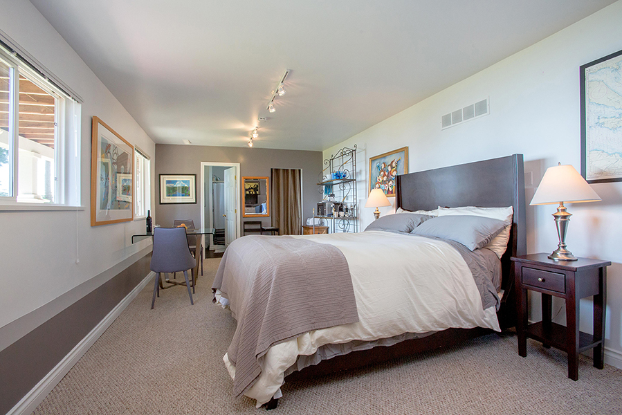 1466-Smith-Road-Gibsons-Rachel-Dempster-Sunshine-Coast-Real-Estate-Guest-Suite1